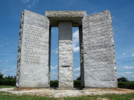The-Georgia-Guidestones-Which-Advocate-A-Maximum-Human-Population-Of-500-Million-450x337
