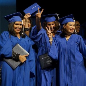College-Graduation-Photo-by-Mando-vzl-300x300