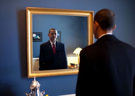 Barack-Obama-takes-one-last-look-in-the-mirror-before-going-out-to-take-the-oath-of-office-450x321