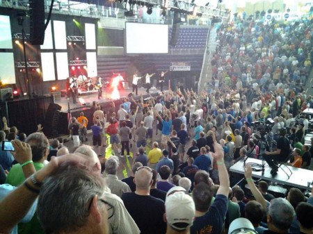 Angel-at-Promise-Keepers-Event-in-Cedar-Falls-Iowa-450x337
