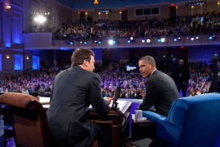 Late_Night_With_Jimmy_Fallon_Barack_Obama_Memorial_Hall_University_of_North_Carolina_Chapel_Hill_April_24_2012