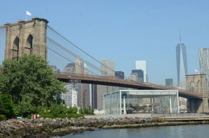 White Flags Mysteriously Appear on Brooklyn Bridge