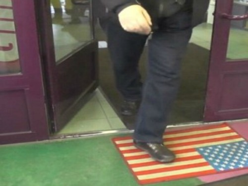 American-Flag-Doormat-Video-Screenshot-300x300