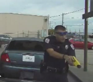 Texas Officer Pulls Down and Tases 76-Year-Old Man Over Legal Plates