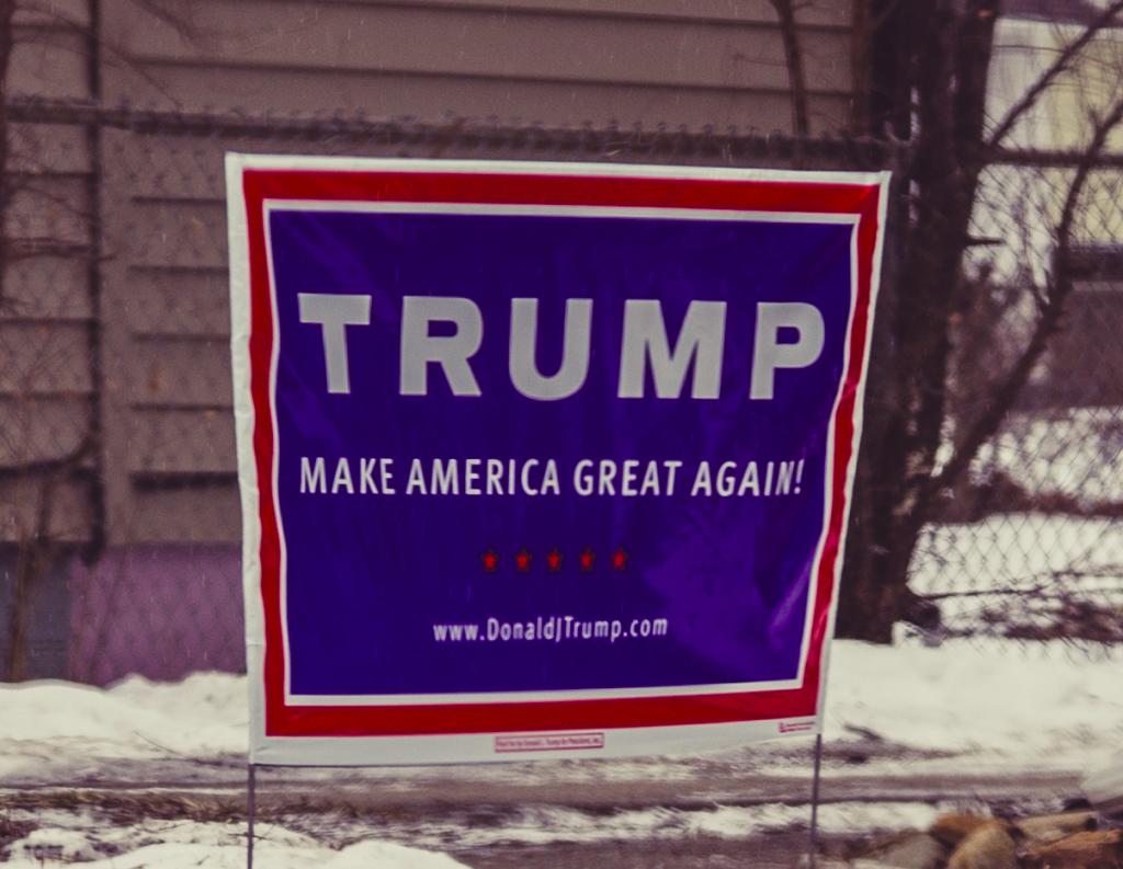 trump-sign-wikimedia